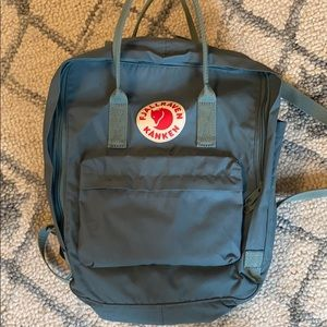 Full size kanken. Only used 4 times!